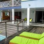 Bains de soleil et la terrasse